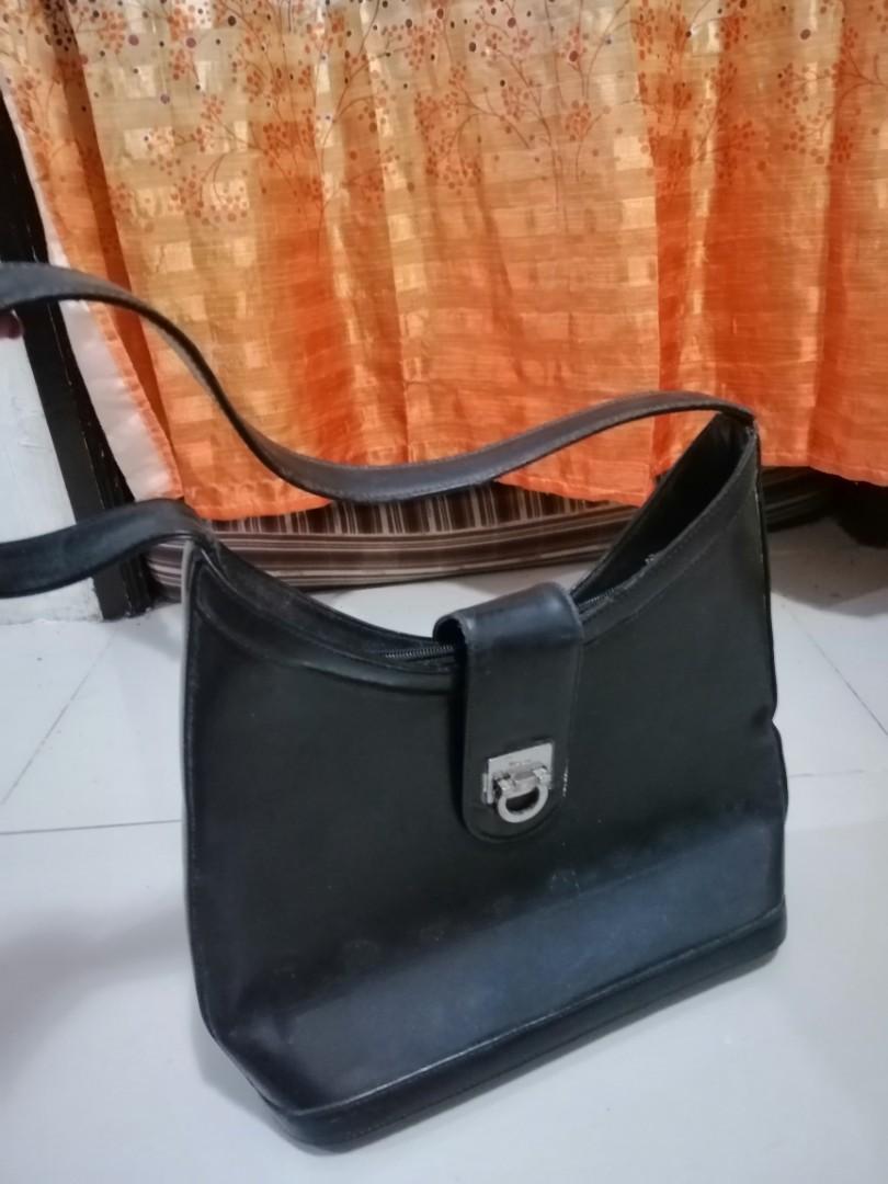 Salvatore Ferragamo Classic Leather Bag Orig, Women s Fashion, Bags ... b14854506b