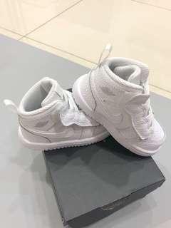 全新喬丹魔鬼氈寶寶鞋Jordan 1 mid alt(TD)