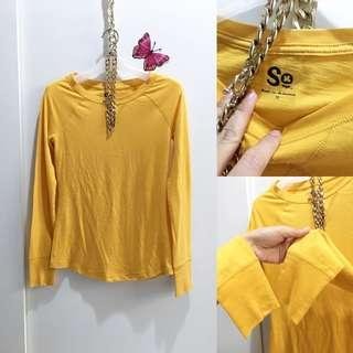T-shirt yellow size S to M