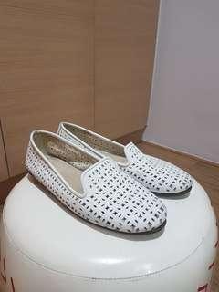 Aerosoles White Flat Shoes