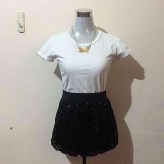 CHARLOTTE RUSSE Black Sparkly Balloon Skirt