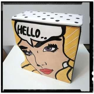Comic porcelain box