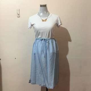 VEEKO Light Blue Midi Skirt
