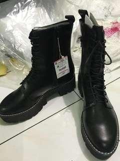 Sepatu boots Cewe Stradivarius Original