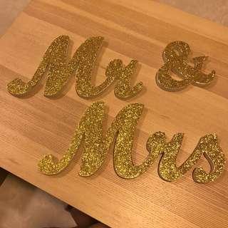 Wedding Decor Gold Glitter Mr & Mrs Sign
