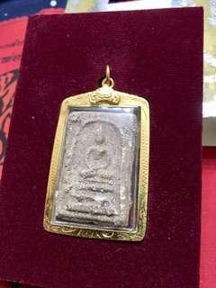 🚚 瓦拉康 2559出土 30年前入甕埋入的牌 原廟盒原鍍金殼 剩最後一組 便宜到分手