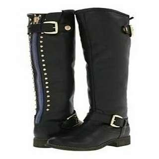 Over the knee boot with back zipper