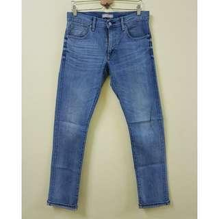W31 UNIQLO Stretchable Selvedge Jeans. (Original)