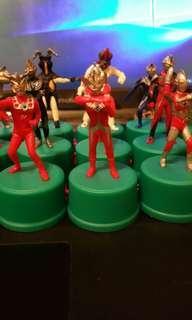 Ultraman 咸旦超人 樽蓋公仔一套 24個