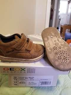 Geox toddler leather goretex shoes.  Made in Italy. Leather inner and leather outer. Breathable antibacterial antishock chromium free. Size US 7 or EU23. Authentic. Purchased new for $109. Toe area is surface aethetic