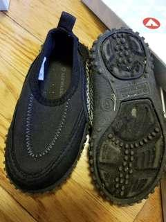 Water shoes. New condition. Size US 6 or EU22. Authentic. Purchased new for $29.Pick up beaches for $10 or yorkville for $12
