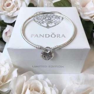 Pandora Flourishing Heart Padlock Bangle