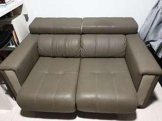 extendable sofa 2.5 seater