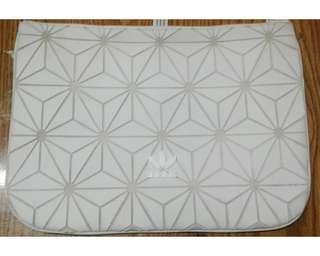 Adidas Originals - 3D Geometric Sleeve Clutch White