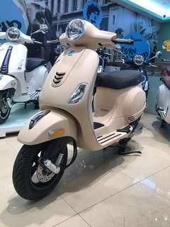 Vespa-125cc-義式浪漫消光棕-限量全額貸