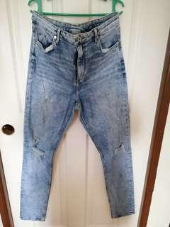 H&M highwaist ripped jeans