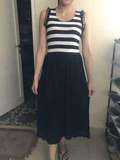 stripe black white dress