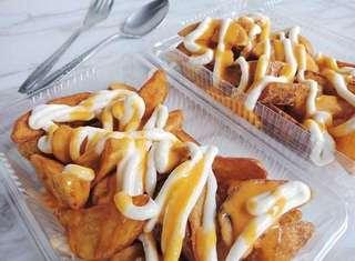 Cheesy wedges spicy