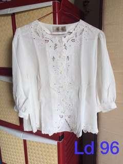 Feminine Tshirt Vintage
