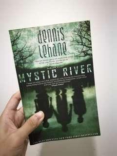 Mystic River / Dennis Lehane