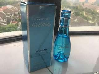 SALE PRICE LOWERED 💯Guaranteed Original Davidoff Cool Water Woman EDT 30ml Limited Edition Size (SELL AT LOSS BOUGHT RM99.00) #SINGLES1111