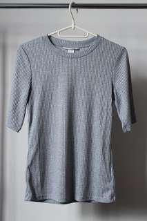 Preloved: Gray Top