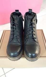 🚚 D+AF靴
