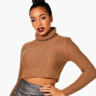 Brown knitted crop