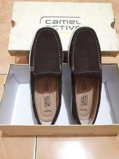 Sepatu camel active