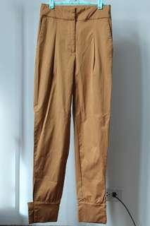 Preloved: Bootent Pants