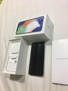 1 month old Iphone X silver almost new and perfect condition