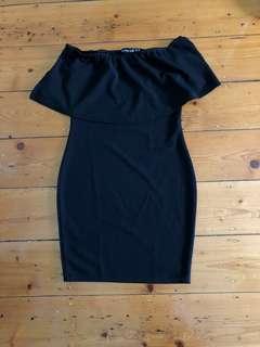 🖤 Black Dress - Pretty Little Thing