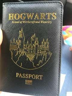 🚚 Hogwarts passport cover