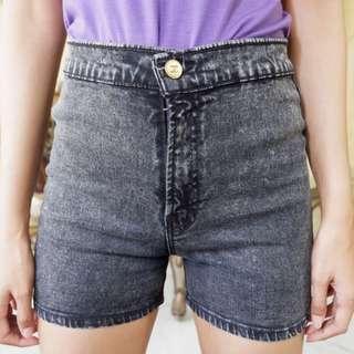 Hot Pants Washed Black Jeans