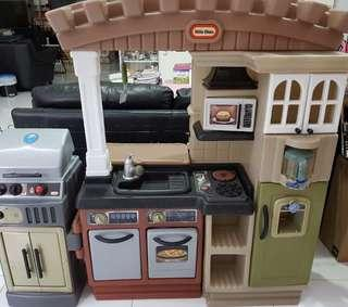 Little Tikes Large Kitchen with BBQ Pit