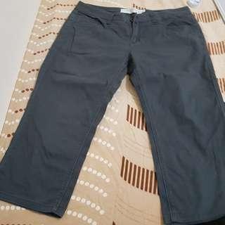 🚚 平價品牌八分褲