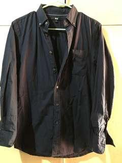 Uniqlo long sleeves button down shirt