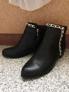 Boots/ ankle boots/ zalora boots