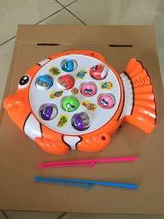 Mainan pancingan ikan