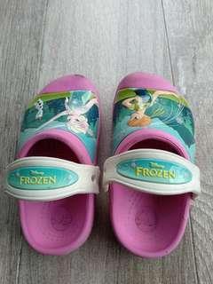 ecac66d39f70 Girl s Crocs (Frozen theme)