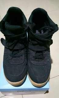 Sepatu Airwalk Wedges