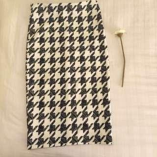 (new) H&M Houndstooth Skirt
