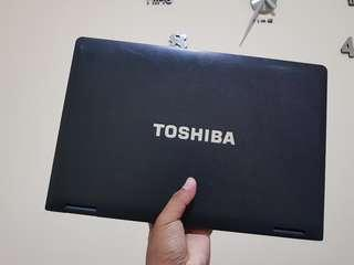 Laptop Toshiba Intel Core i3