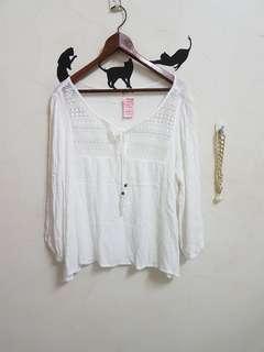 🚚 全新白色簡約造型長袖上衣