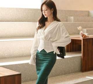 🚚 A9189韓國時尚 V領蝴蝶袖純色襯衫