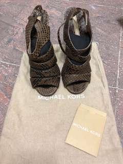 Michael Kors 蛇皮 high heels 全新