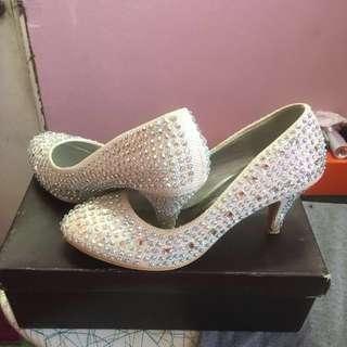 Kasut kawin / wedding shoes, size 6. Pakai 2x masa bersanding