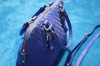 Authentic Steve Madden 2 way bag