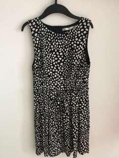 Zara Trafaluc Sleeveless Black and White Dress