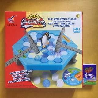 95%new 企鵝破冰遊戲 Penguin Trap game 小朋友玩具